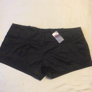 NWT Max Rave Shorts